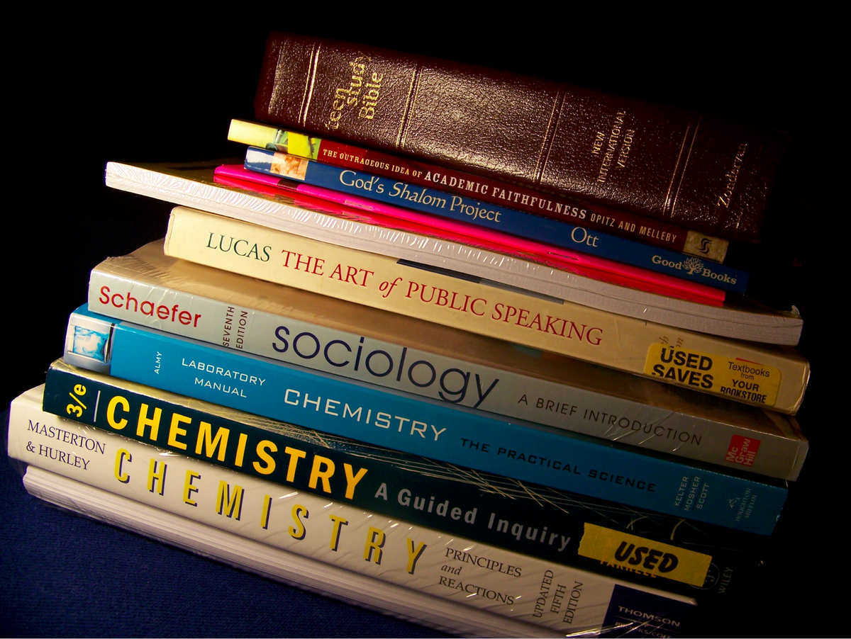 which major has the most expensive textbooks