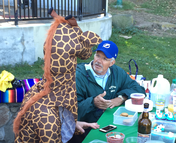 Hipster business models a new book by priceonomics thirty year old dan abramson left in giraffe costume explains to bob how he raised over 100000 on kickstarter to create little green army men doing solutioingenieria Gallery